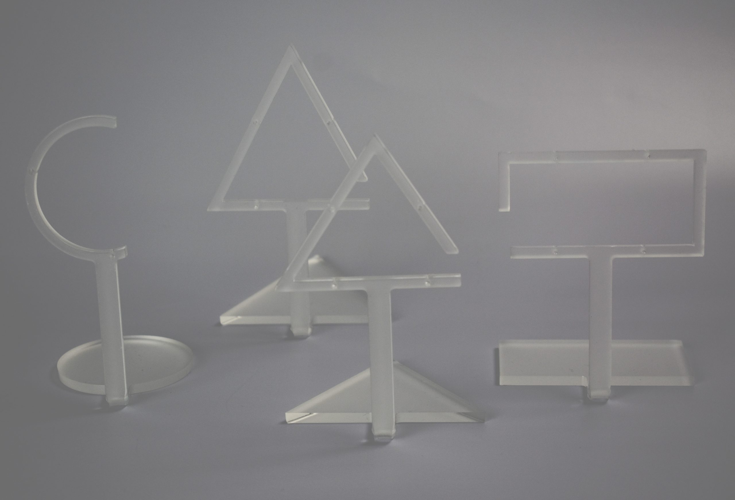 An image of Semi Circle Earring Stand – Frost